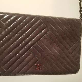chanel  Wallet on chain. (grey)