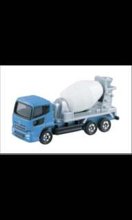 Tomica BX053 Nissan Quon Diesel Mixer
