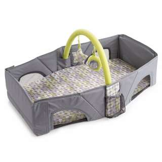 Foldable tickle baby bed