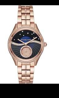 Michael  kors New Arrival❣️ 錶面圍石💎連條錶帶中間都有石💎 寶藍色錶面好靚❣️ 直徑40mm Mk3723