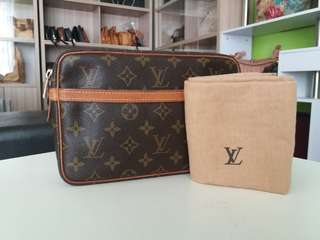 AUTHENTIC LOUIS VUITTON COMPIEGNE23 CLUCTH BAG MADE IN FRANCE TINGGI 15CM X LEBAR 23CM GOOD CONDITION DATECODE INSIDE RM680 C.O.D USNASAPRELOVED http://www.wasap.my/60104550163