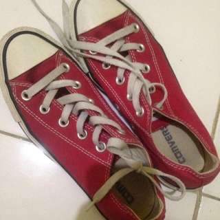Authentic Converse Low-Cut (Red)