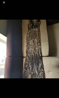 Long gown (gold black)