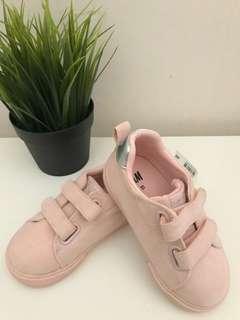 H&M toddler shoe