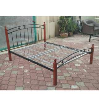 Katil Queen Bed Frame Wood and Iron * L16 D