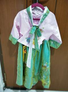 Traditional Korean costume - size 8