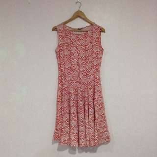 (L) Shell Patterned Dress