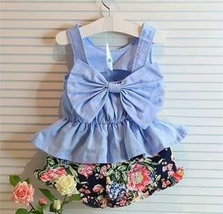 Bow top with flower shorts