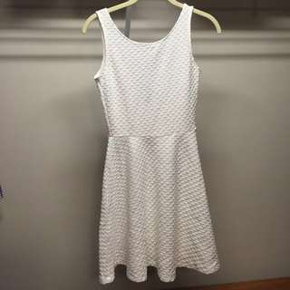 H&M TEXTURED WHITE DRESS