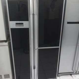HITACHI double Fridge 3door freezer .95%ok Good condition one month warntey 01133530275 call me WhatsApp