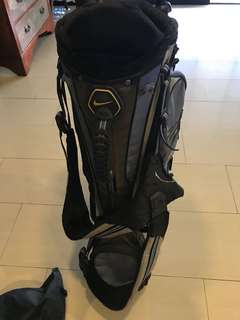 Golf clubs for sale. Used lightly good condition and taylormade golf bag