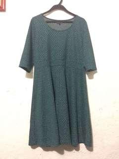 Billie and Blossom Green Dress