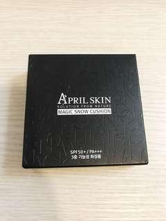🚚 (全新)April skin魔法雪白氣墊粉餅(黑盒)#21