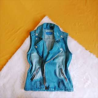 CLERANCE SALE l Denim vest