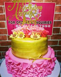 Ruffles and Gold Themed Cake