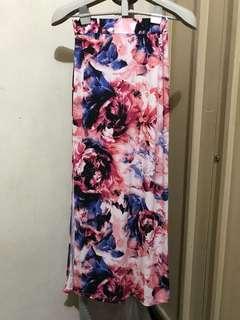 Long floral skirt with side slit