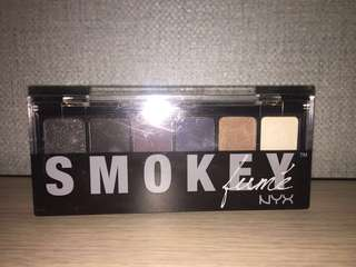 NEW nyx smokey eyeshadow pallete