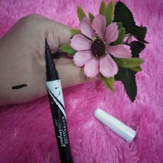 Eyeliner mybelline hyperimpact