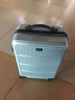luggage nett price