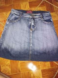 Skirt small