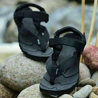 Sandal Gunung Suzuran Extreme x Mr1 Full Black