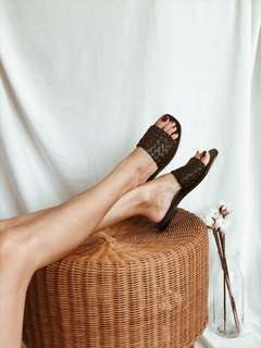 🚚 Woven leather sandals : Women and Men
