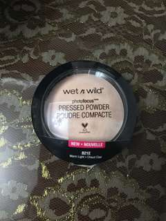 Wet n Wild Photofocus Powder in Warm Light
