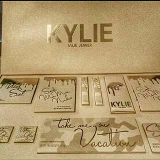 Kylie take me on vacation makeup set