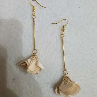 Drop flower earrings
