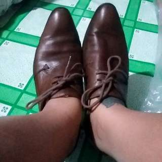 Brown Leather Shoes Woth Lace Size 6-7