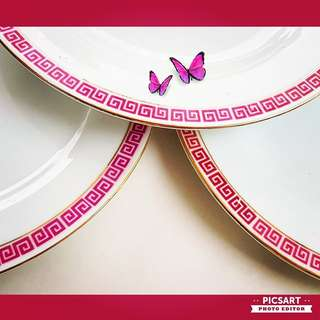 "1960s Chinese Porcelain Plates with Pink Pattern Border and Rich Gold Rims, 10"" dia. Unused & Good Condition, no chip no crack. All 3pcs for $8 offer! sms 96337309."