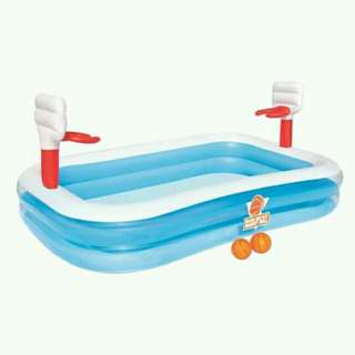 INFLATABLE POOL 2