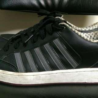 K swiss 男鞋黑白基本款 10號半
