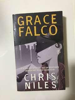 Chris Niles (Grace Falco)