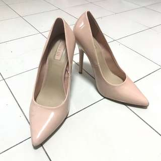 Nude close shoes