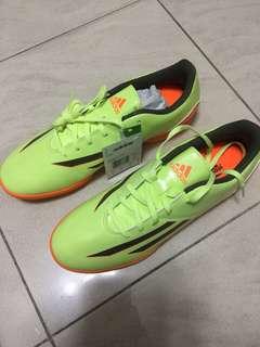 Adidas 足球鞋 US9 冇盒