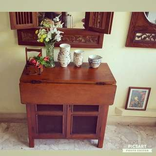 """1950s Vintage Wire-net Kitchen Cabinet or """"Wan Chu"""" with a Flap that can be used as table. Comes with 2 matching stools. Space-saving. 31""""l x 16""""w x 31""""h. Good & Clean Condition. Structurally Sound. Whole set of 3 items for $388 offer, sms 96337309."""