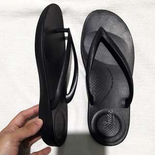 Sexy Black Rubber Jelly Slippers / Sandals fits 6-7