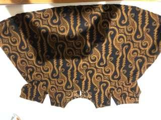 batik crop tee sabrina