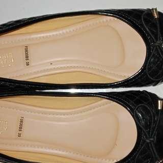 Sepatu sophie martin