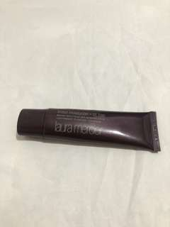 Laura Mercier Oil Free Tinted Moisturizer in the shade Bisque