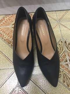 JEANASiS 黑色高跟鞋
