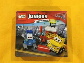 🆕LEGO 10732 Juniors Guido and Luigi's Pit Stop