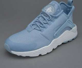 HUARACHE NIKE in baby blue