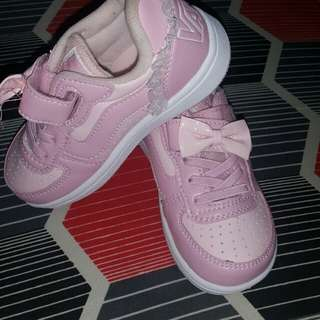 BRAND NEW SHOES FOR GIRL KIDS