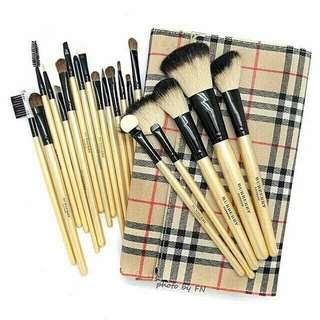 Brush Burberry Set isi 15pc