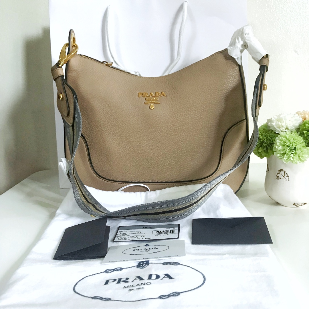 fa45af8e6ad1ac BNEW Prada 1BC052 Vitello Daino Leather Hobo Bag - Cammeo color AUTHENTIC,  Luxury, Bags & Wallets on Carousell