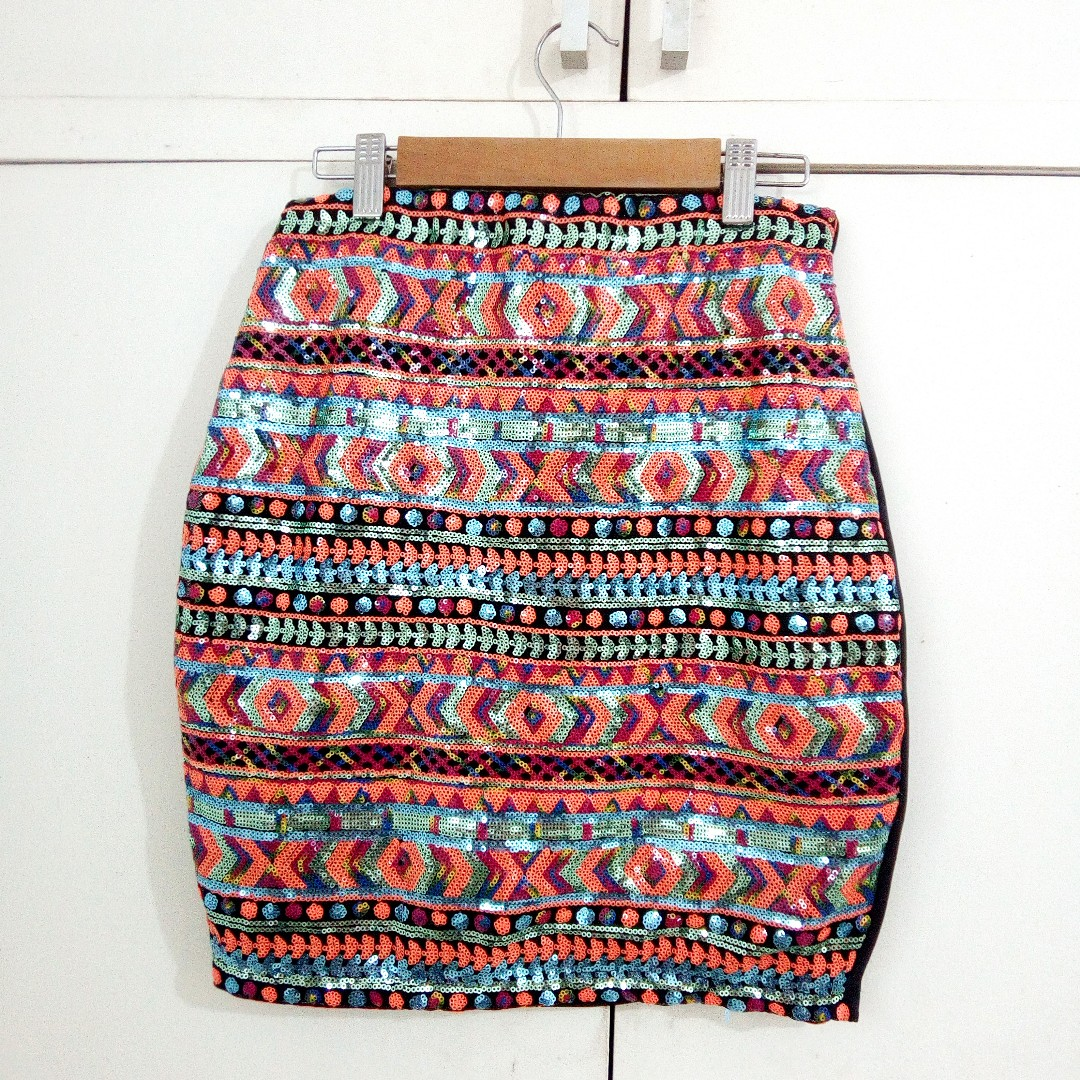 Fancy sequined sexy formal semi-fitted skirt gits size medium to large