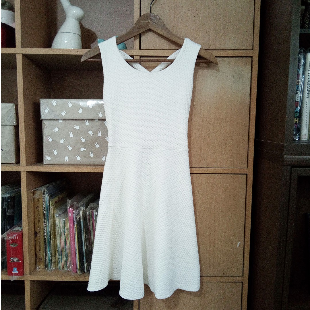 Formal White Textured Dress Size Small