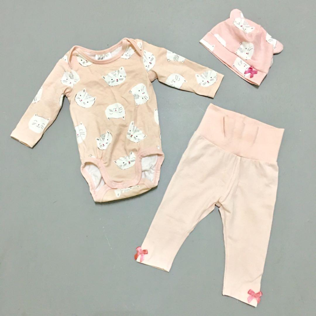 f94a6a0a4ea1 H M newborn baby girl romper onesies hat pants set.